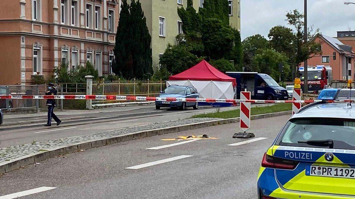 Nach tödlichen Schüssen in Regensburg: Polizei riegelt Tatort ab
