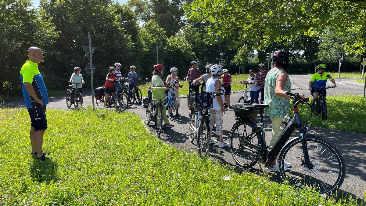 In Aschaffenburg können Pedelec-Fahrer ab 50 Jahren an einem kostenlosen Sicherheitstraining teilnehmen.