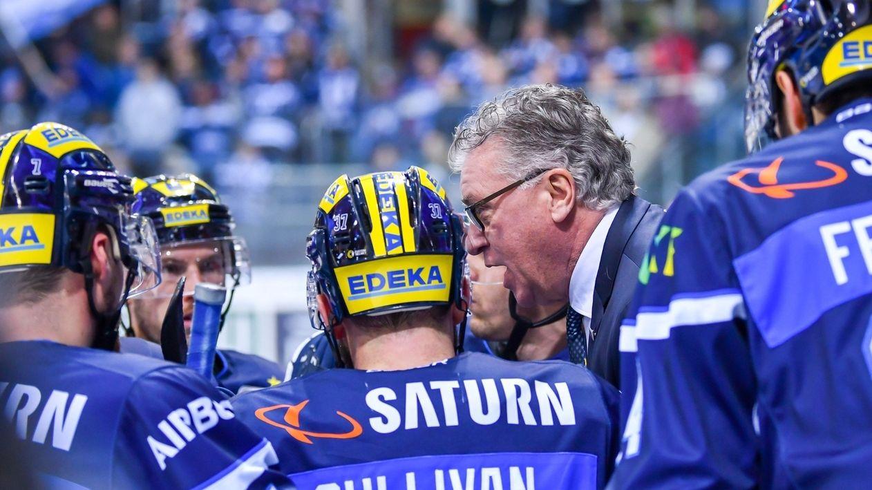 ERC-Ingolstadt-Coach Doug Shedden und Spieler