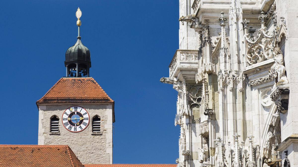 Die Stiftskirche St. Johann neben dem Regensburger Dom