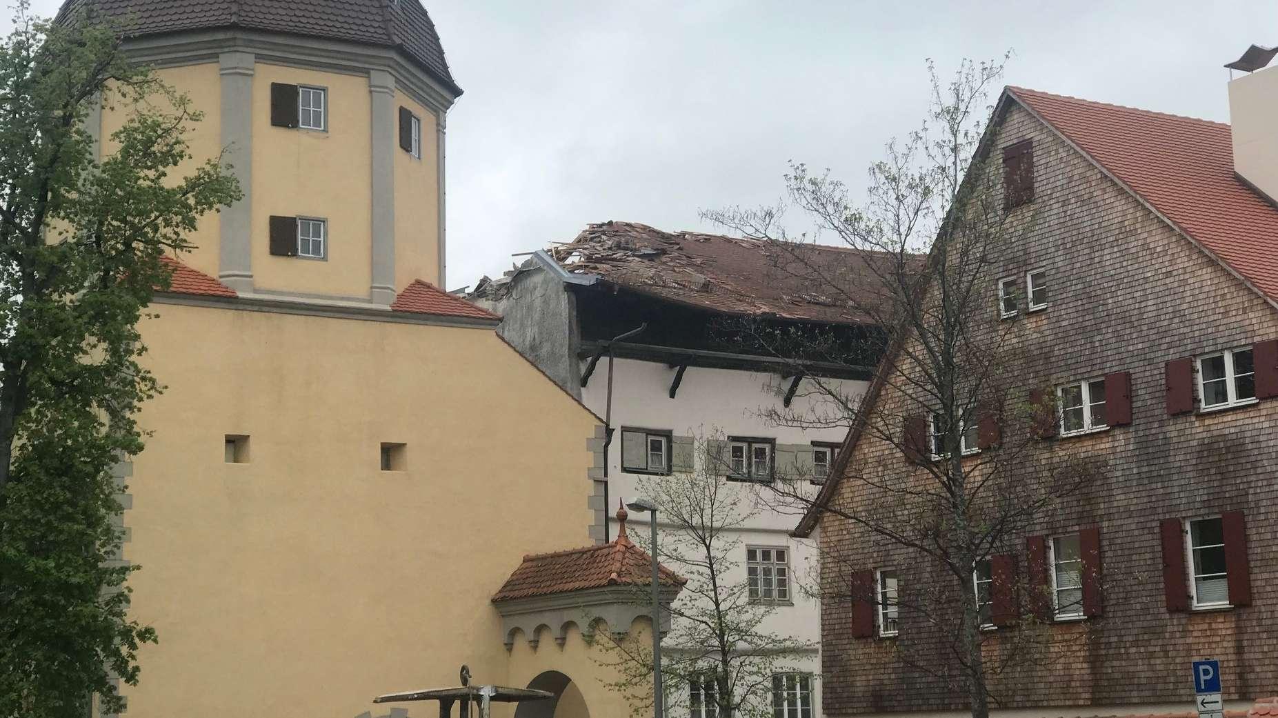 Historisches Färberhaus mit beschädigtem Dachstuhl