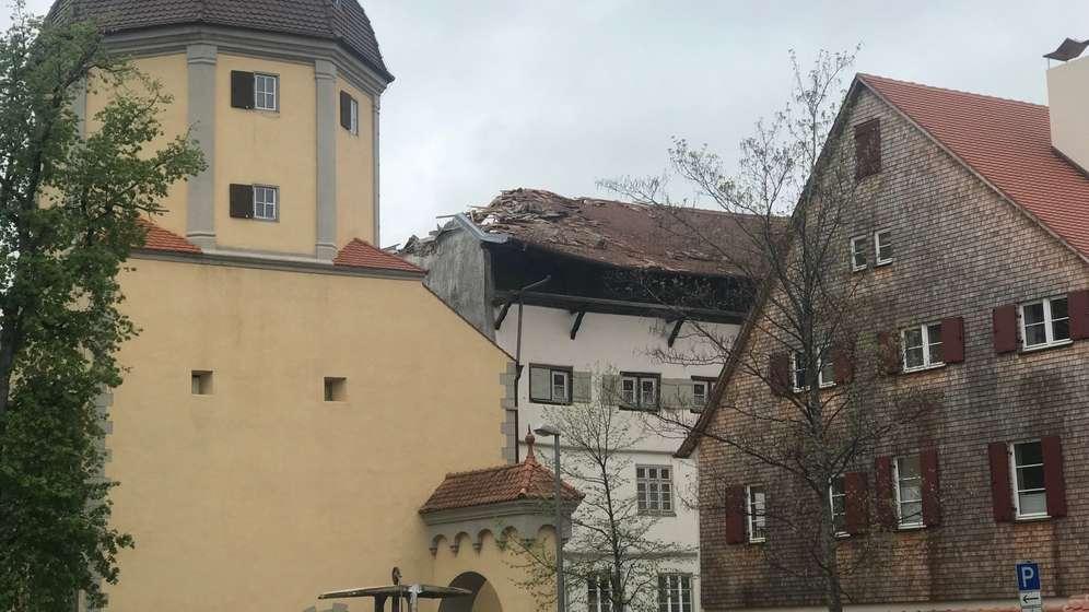 Historisches Färberhaus mit beschädigtem Dachstuhl | Bild:BR/Scheule