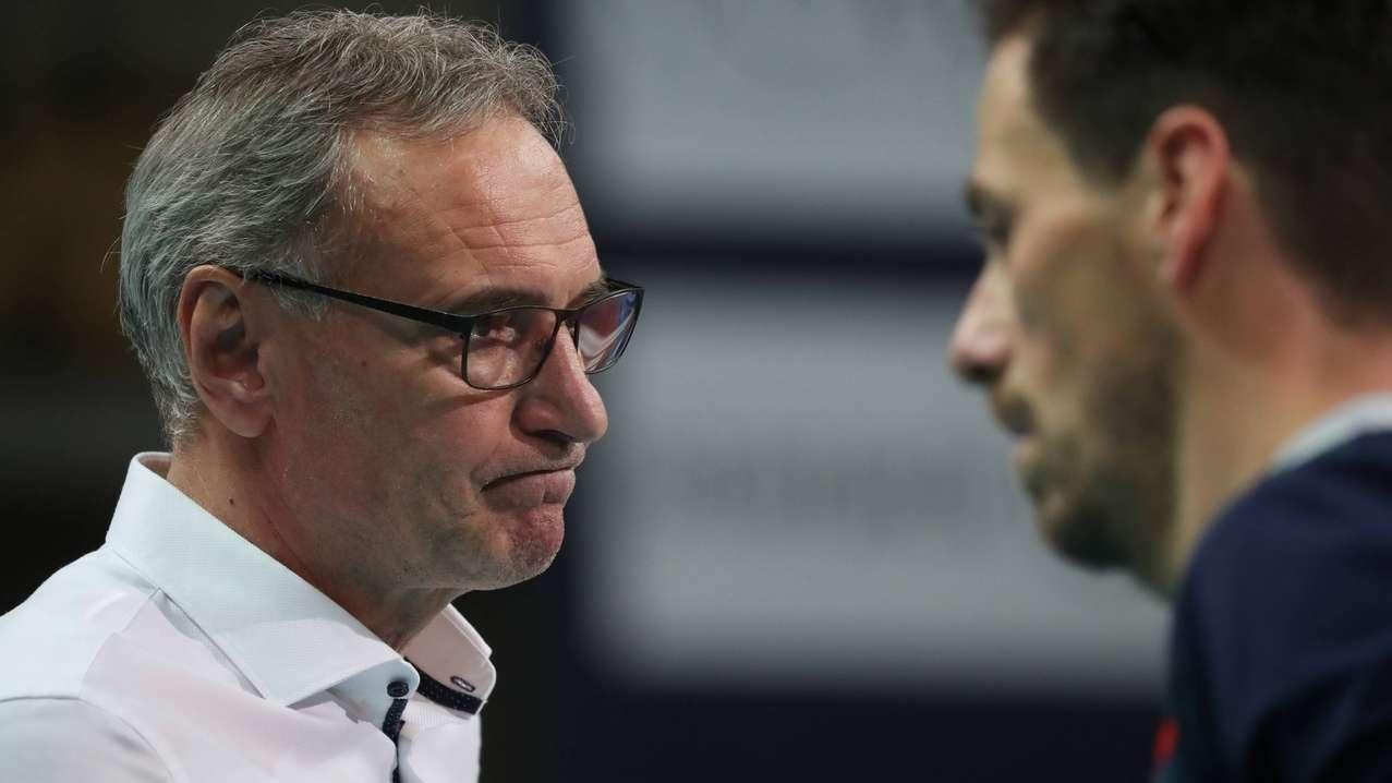 Der Alpenvolley-Coach Stefan Chrtiansky reagiert auf die entscheidende Niederlage.