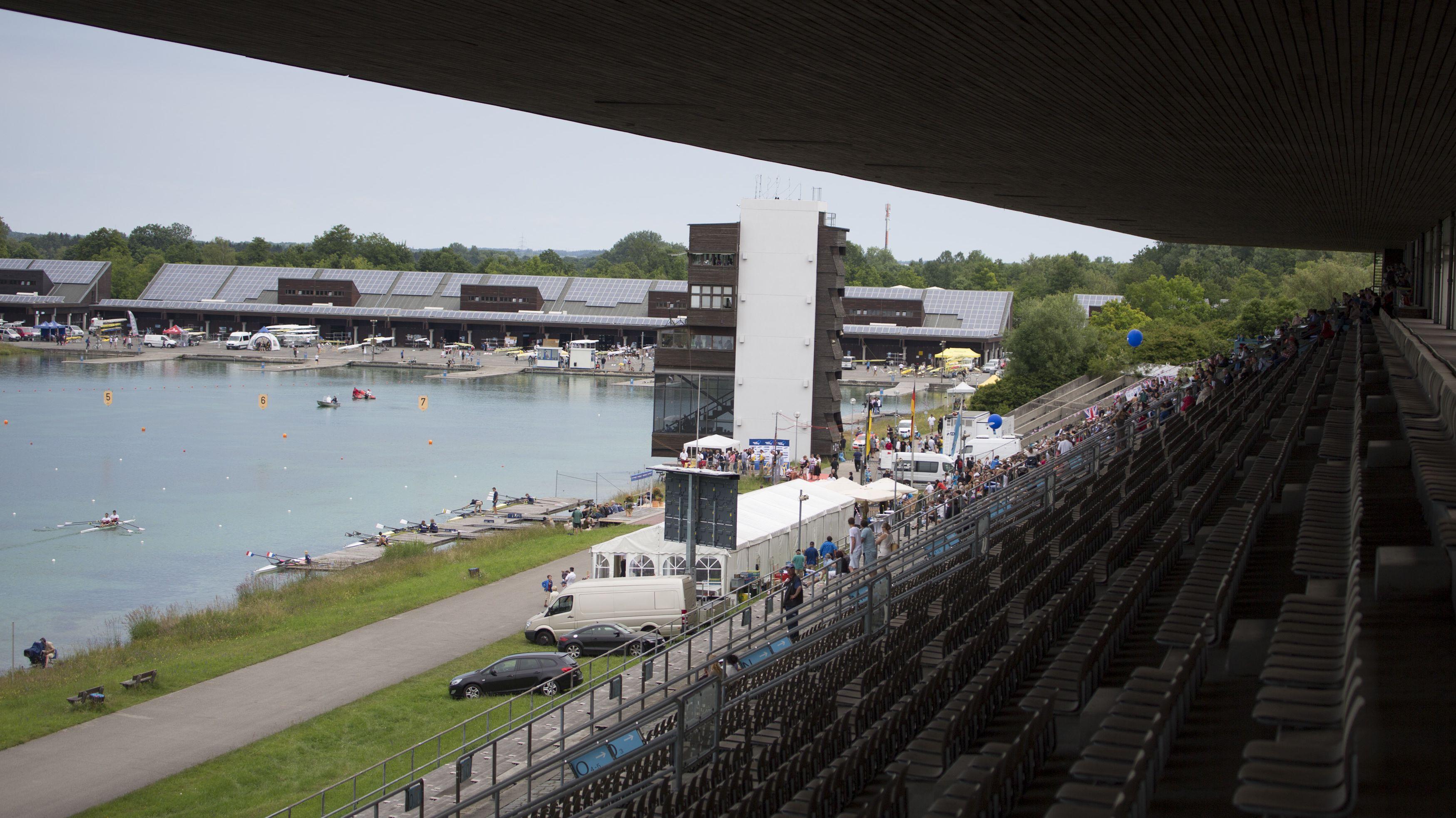Blick auf die olympische Ruderregattastrecke in München-Oberschleißheim
