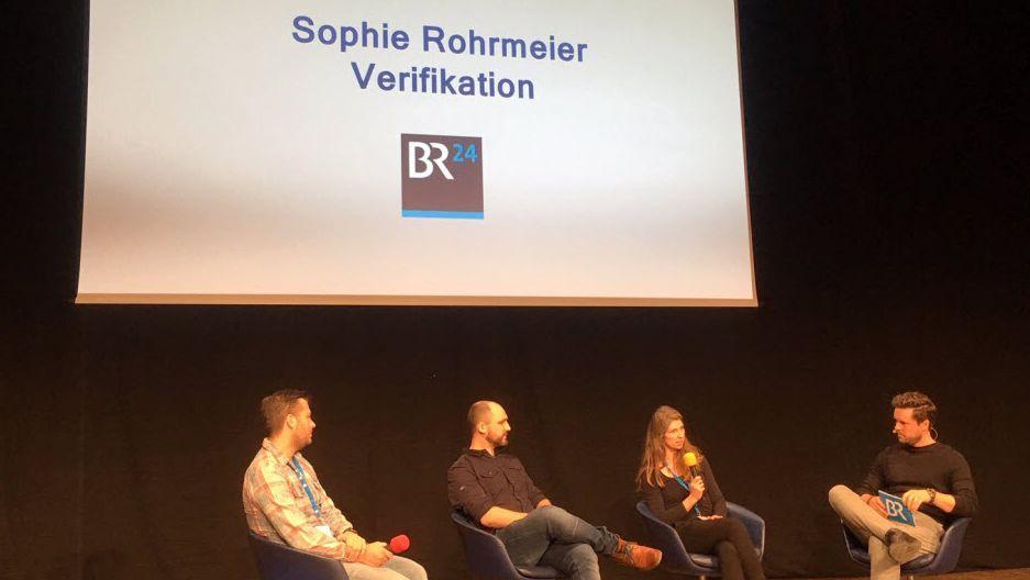 #Faktenfuchs-Teamlead Sophie Rohrmeier auf einem BR-Podium