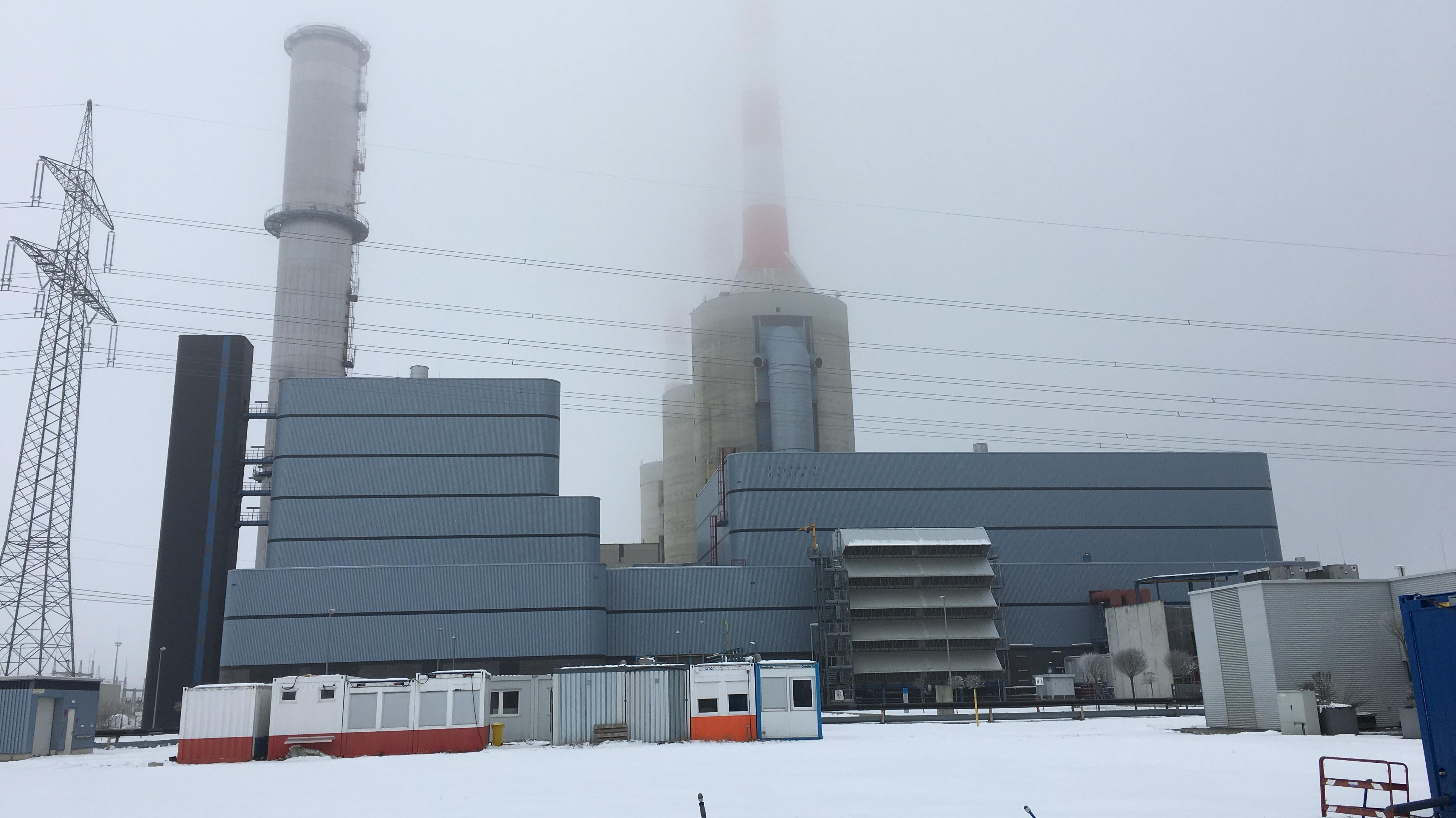 Gaskraftwerk Irsching Block IV im Nebel