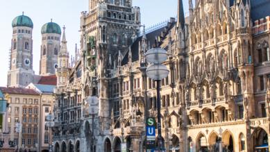 Die Fotos zweier prominenter Vertreterinnen der Münchner Lokalpolitik wurden ungefragt auf eine Porno-Website geladen.