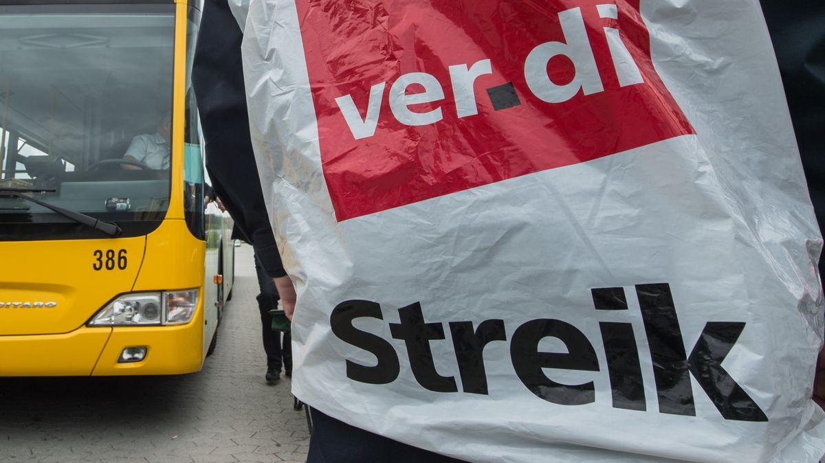 Streikender Busfahrer