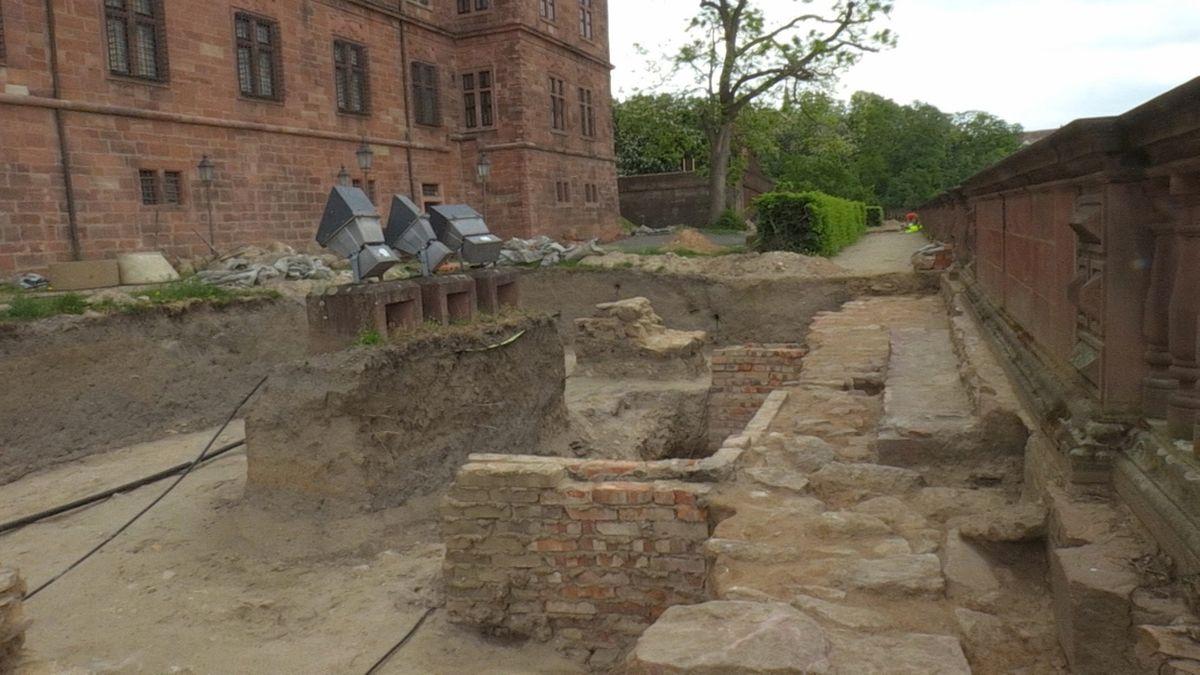 Ausgrabungen am Schloss Johannisburg