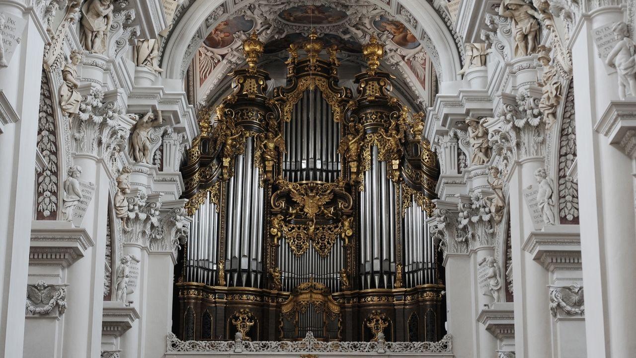 Klänge, die zum Himmel steigen – Die Orgel im Passauer Dom