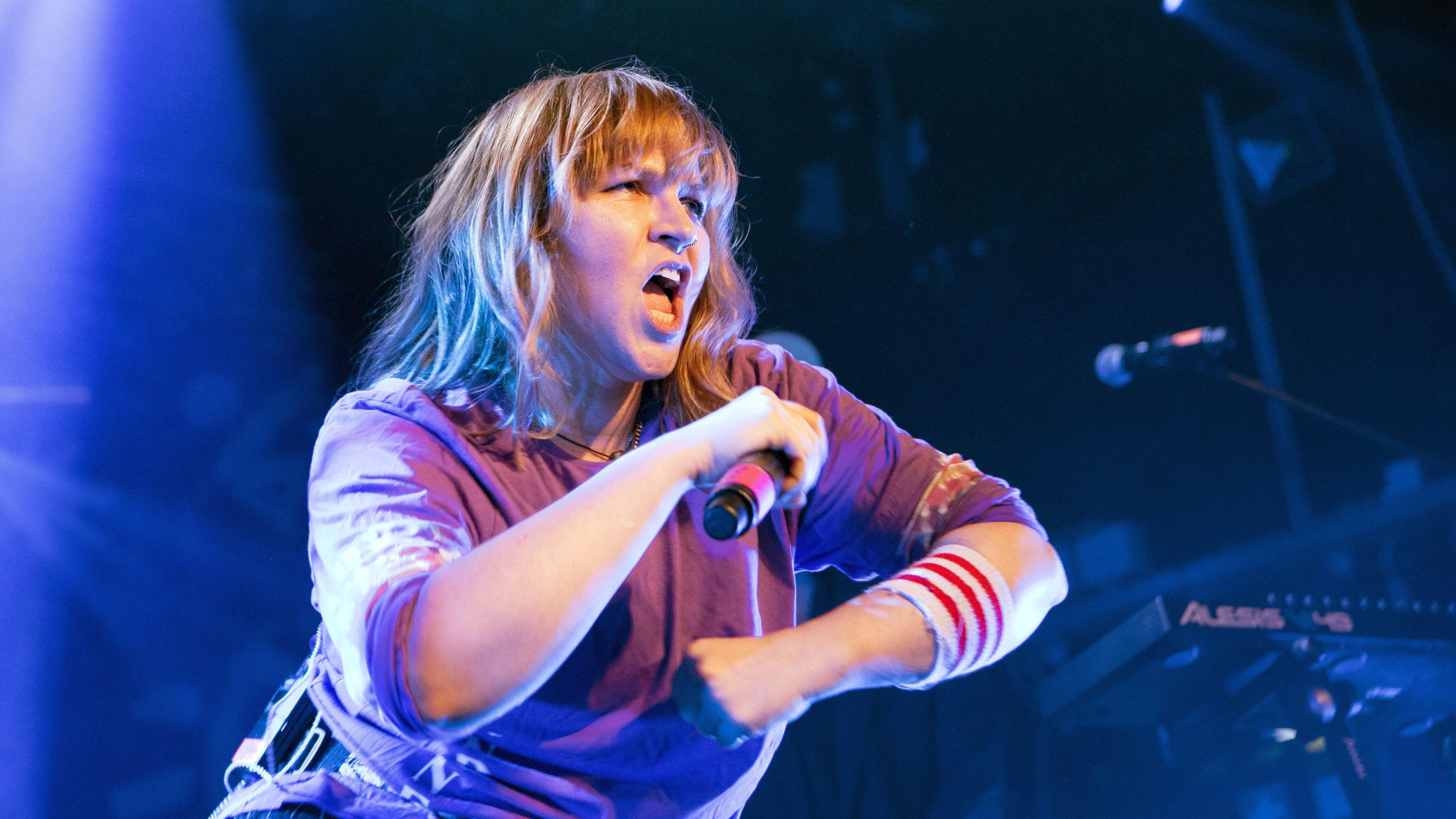 Eskalation: Sängerin Jen Bender auf einem Konzert in Hamburg