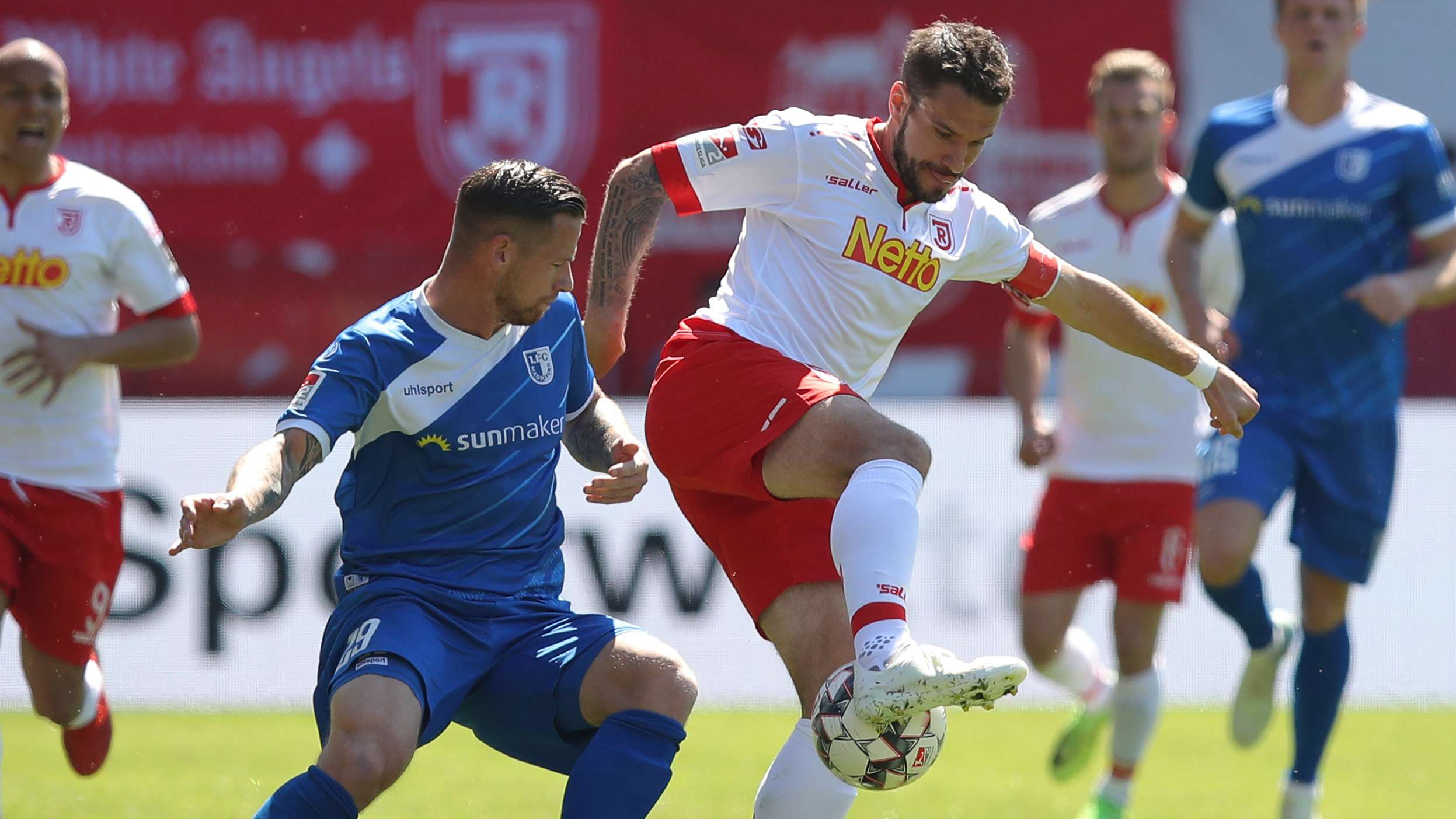 Spielszene Jahn Regensburg - 1. FC Magdeburg