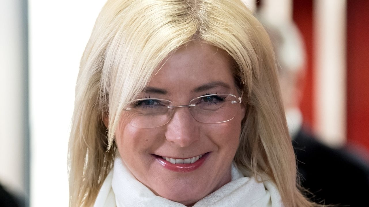 Politikerin Ulrike Scharf gewinnt Kampfabstimmung
