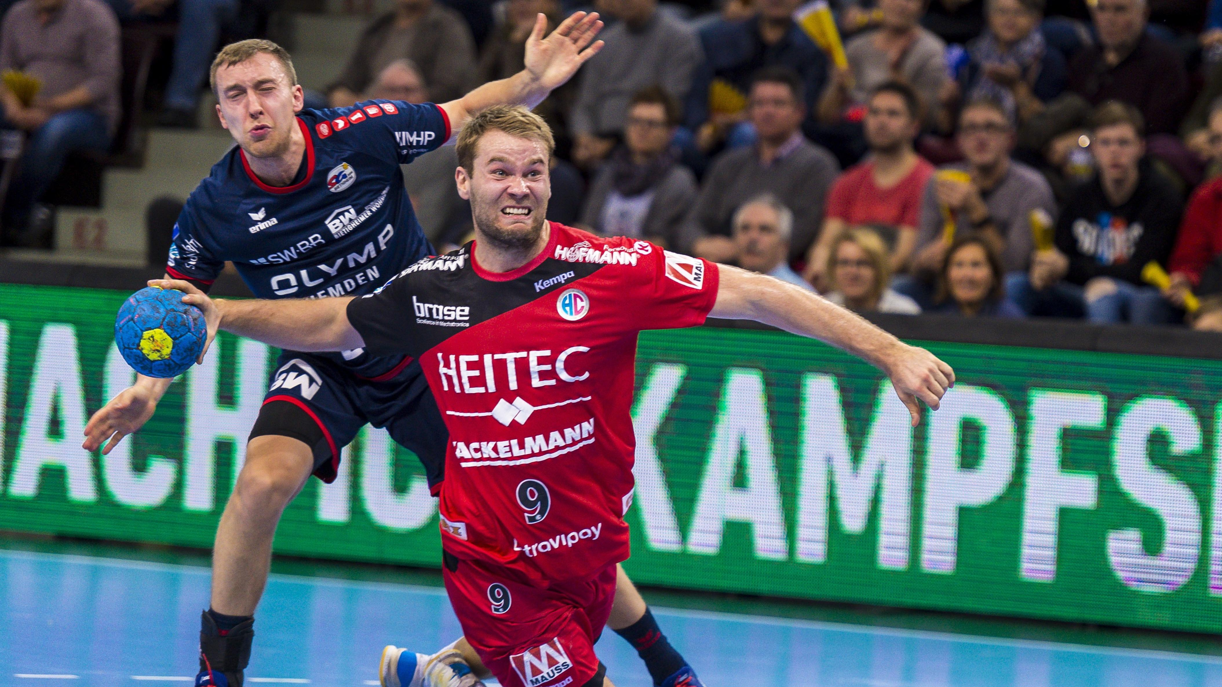 Petter Overby vom HC Erlangen beim Torwurf