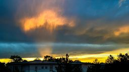 Dramatische Gewitterwolken im nördlichen Landkreis München.   Bild:BR/Sylvia Bentele