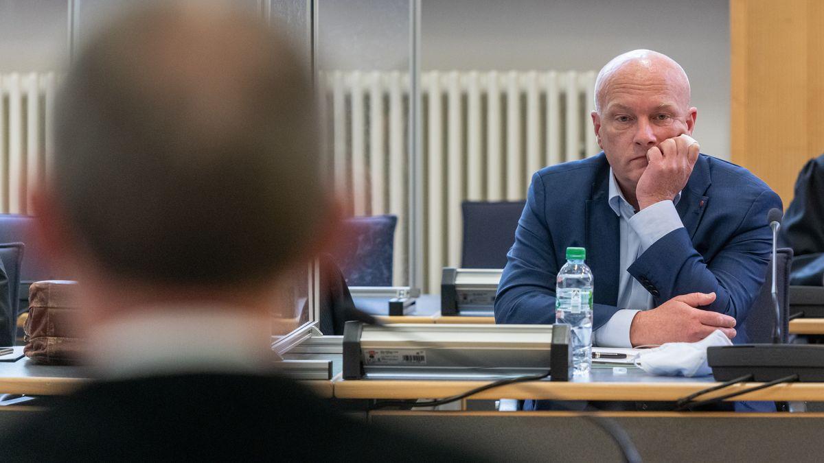 Im Korruptionsprozess gegen Ex-Oberbürgermeister Wolbergs müssen zwei Kriminalpolizisten aussagen.