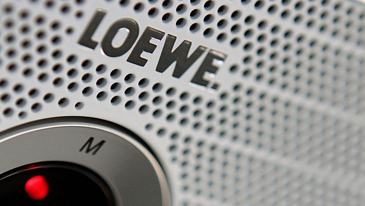 Nahaufnahme eines Loewe-Fernsehers