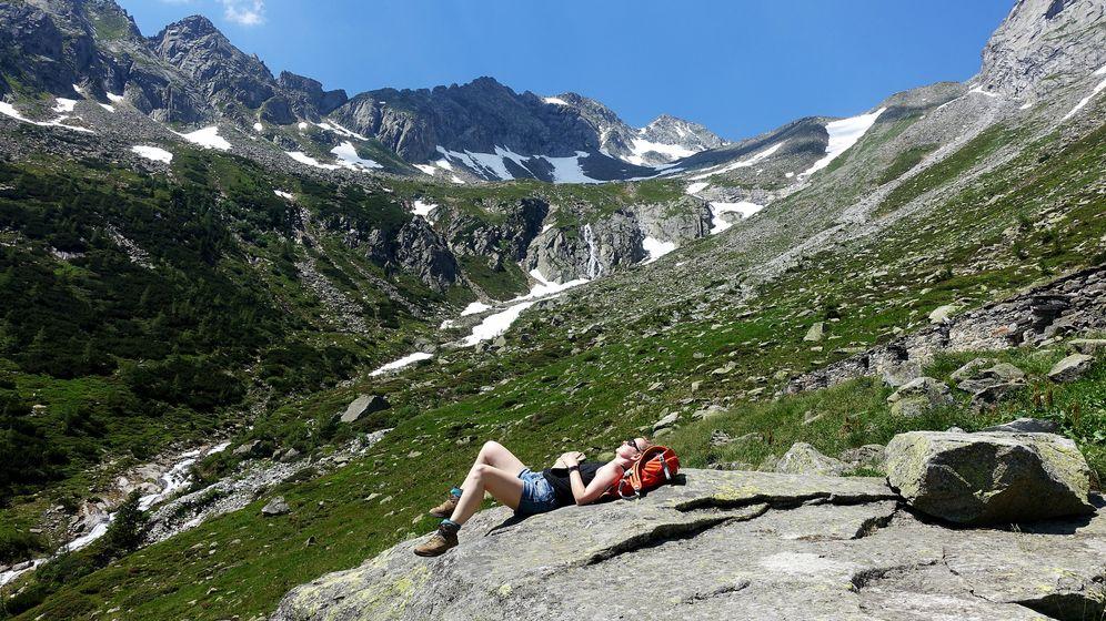 Wanderpause in den Ötztaler Alpen, Österreich | Bild:picture alliance / Zoonar