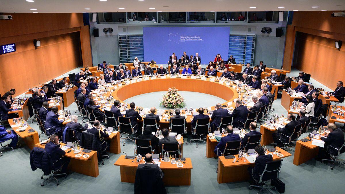 Berlin: Bundeskanzlerin Angela Merkel und Heiko Maas, Außenminister von Deutschland, eröffnen im Bundeskanzleramt die Libyen-Konferenz.