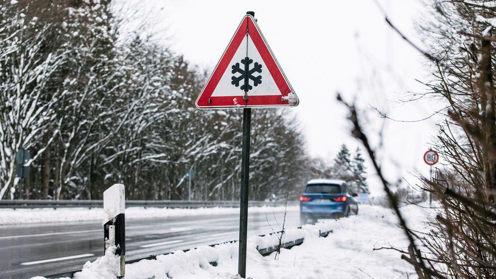 Schnee und Eisglätte in Bayern