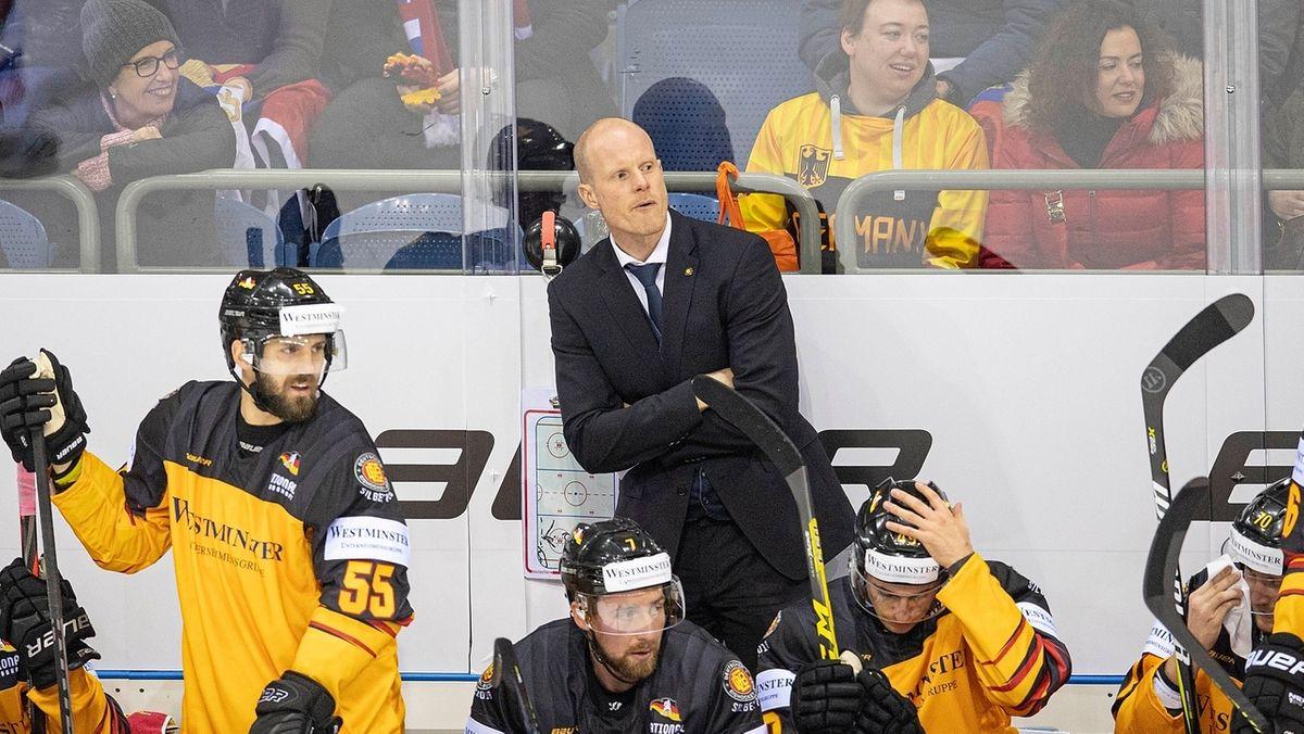 Bundestrainer Toni Söderholm bei einem Länderspiel mit der Eishockey-Nationalmannschaft.