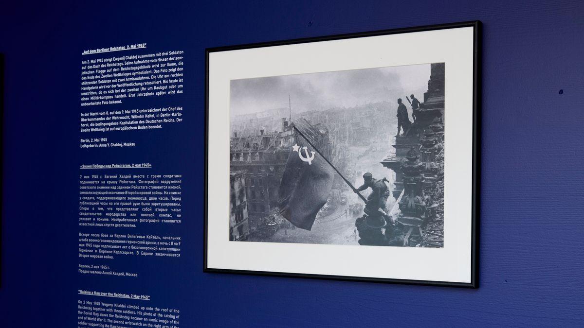 Ewgenij Chaldej Kriegsfoto vom Dach des Berliner Reichstages
