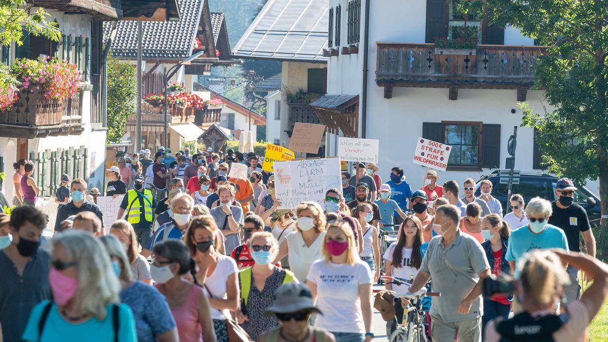 Demonstration für eine Verkehrswende im Oberland