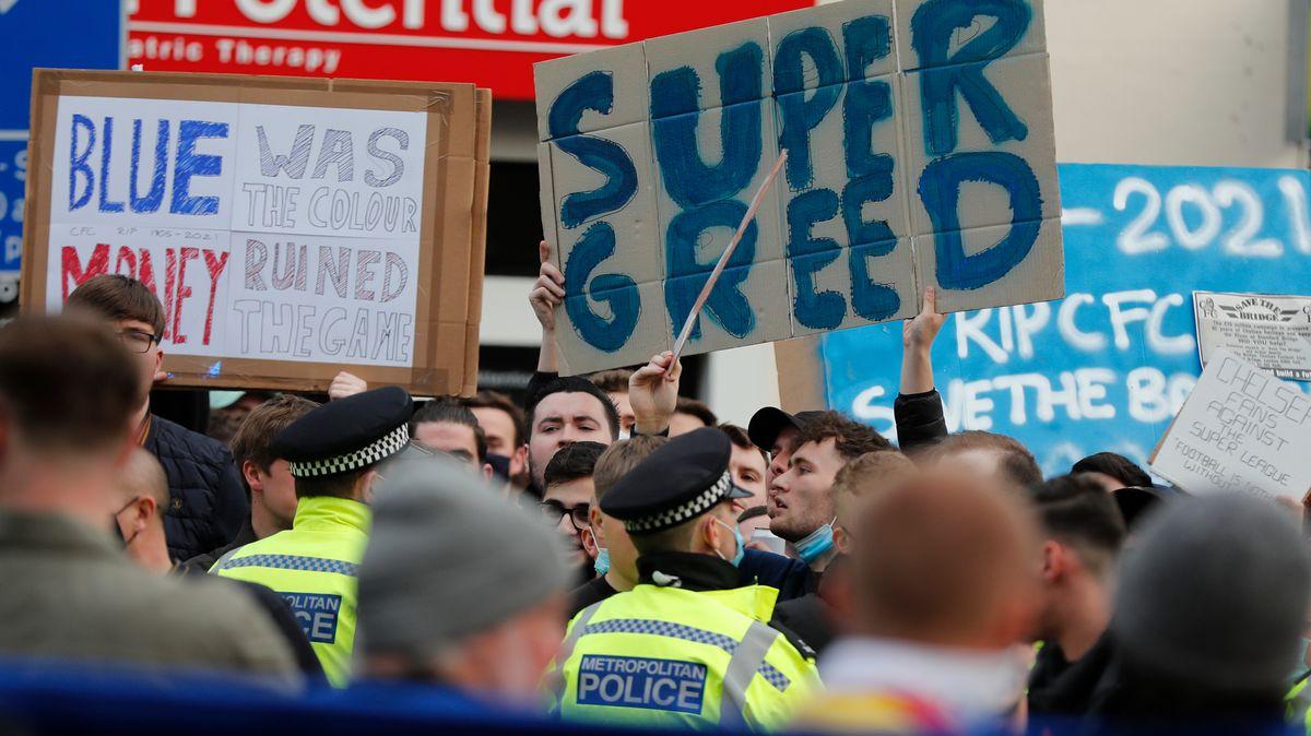 Proteste gegen die Super League in London