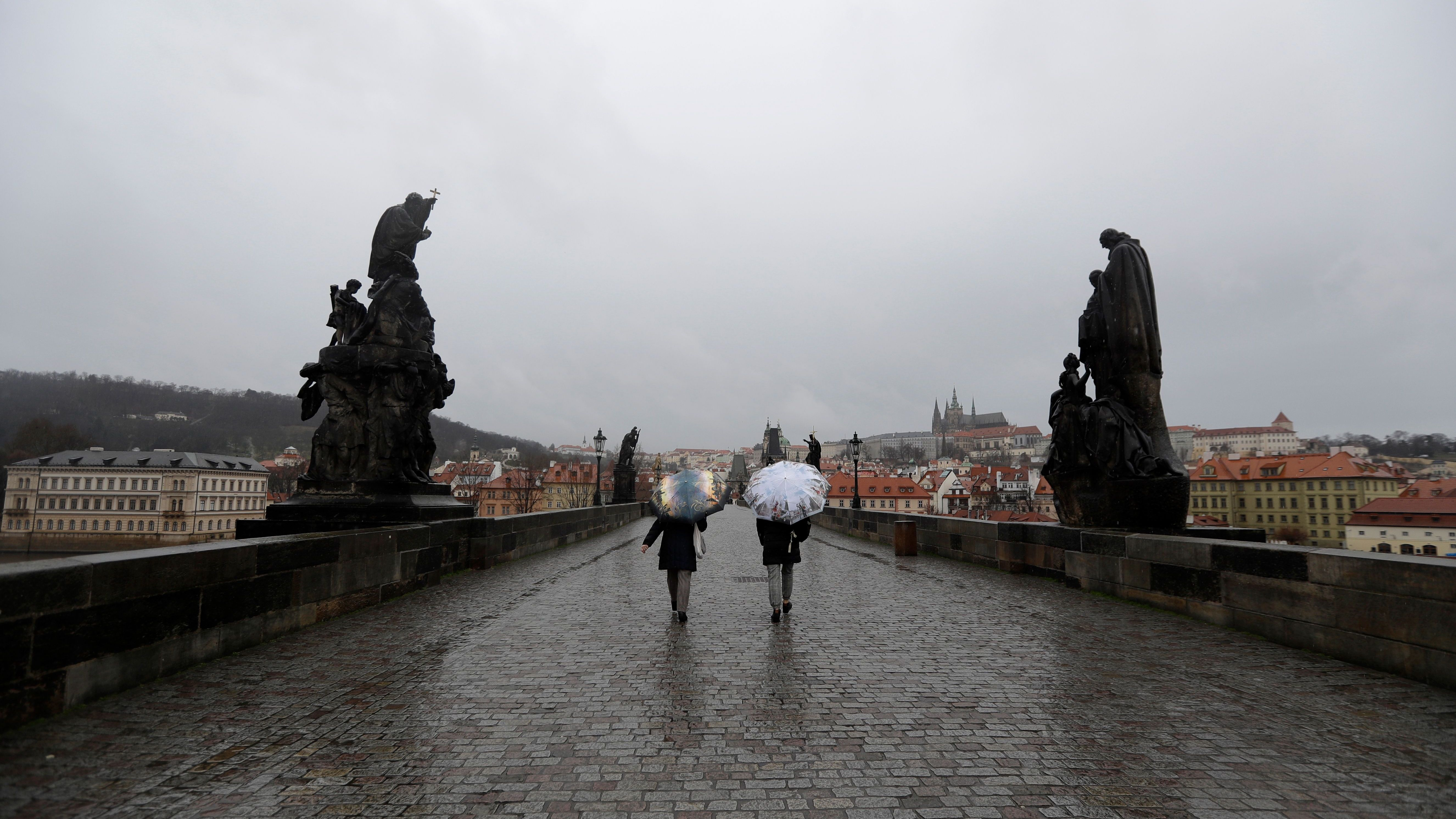 Wegen Coronavirus: Deutsche dürfen nicht mehr nach Tschechien reisen.
