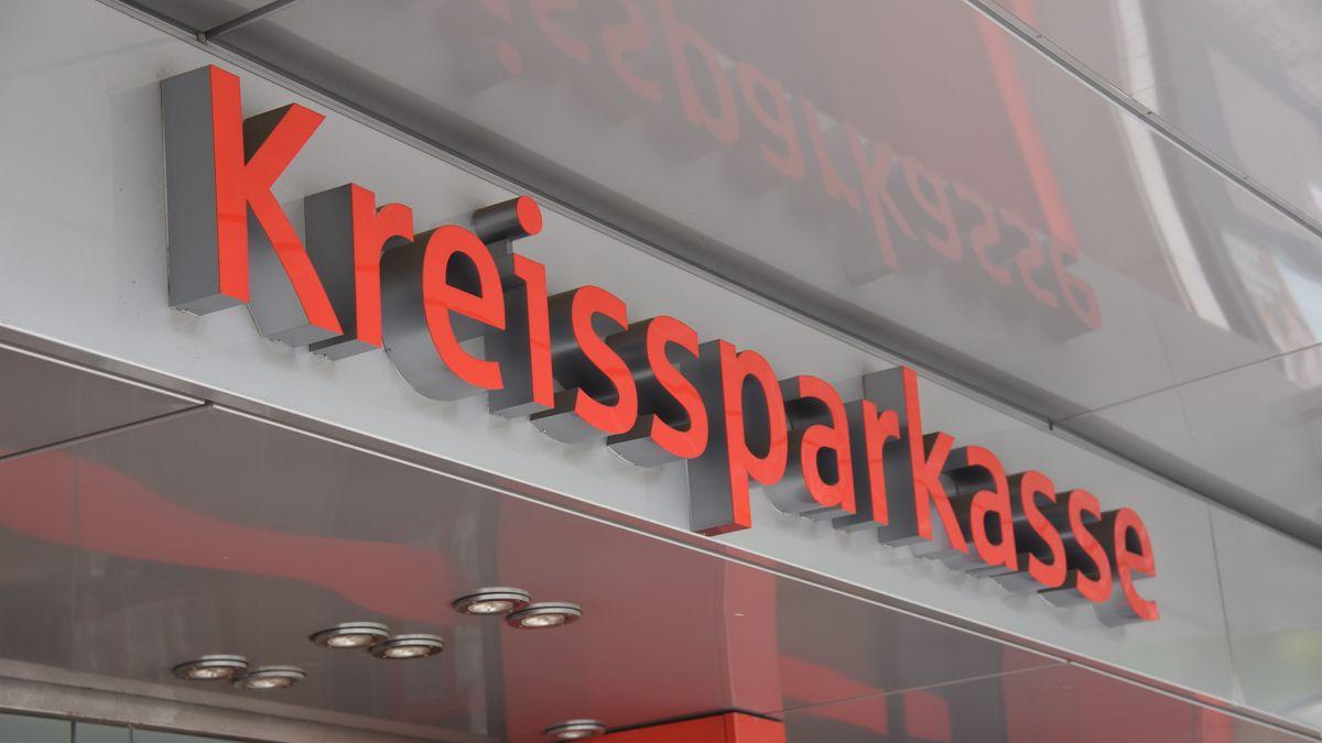 In Schwaben entsteht nach einer Fusion einer der größten Sparkassenverbünde in Bayern.