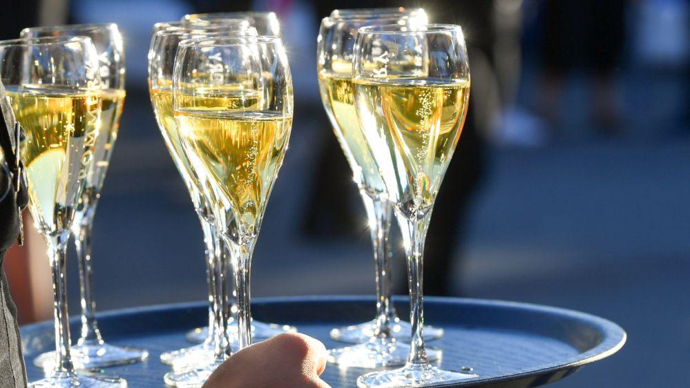 Champagner (Symbolbild Party)