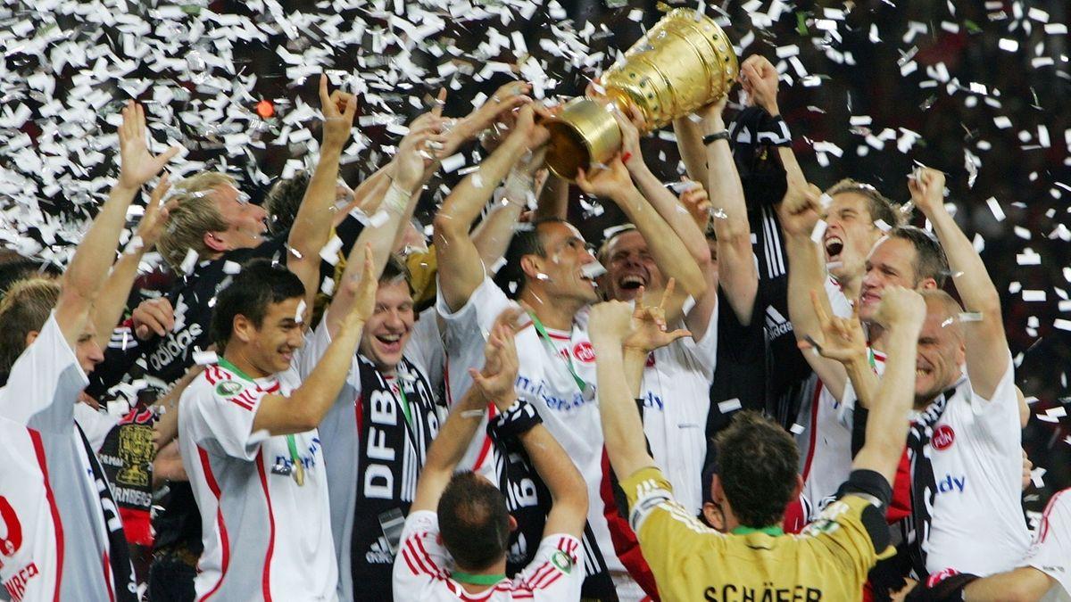 Der 1. FC Nürnberg feiert den Sieg im DFB-Pokal-Finale 2007.