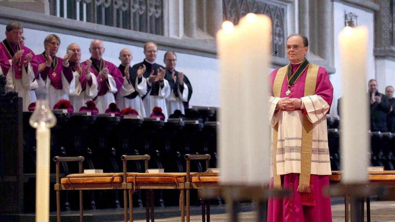 Bertram Meier bei der Bekanntgabe der Entscheidung im Augsburger Dom