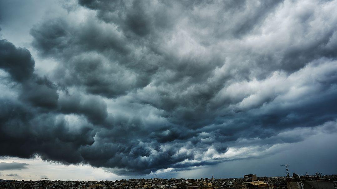 Sturmtief zieht über Großstadt