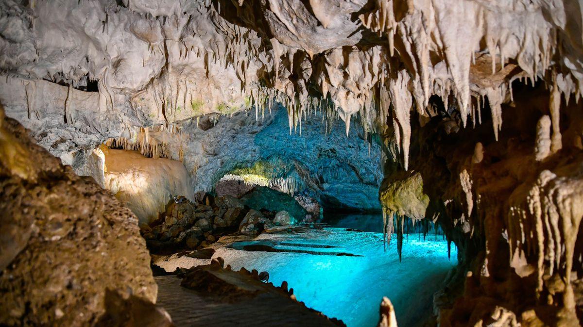 Anemotrypas-Höhle beim Ort Pramanta, Nord-Tzoumerka, Region Epirus, Griechenland.