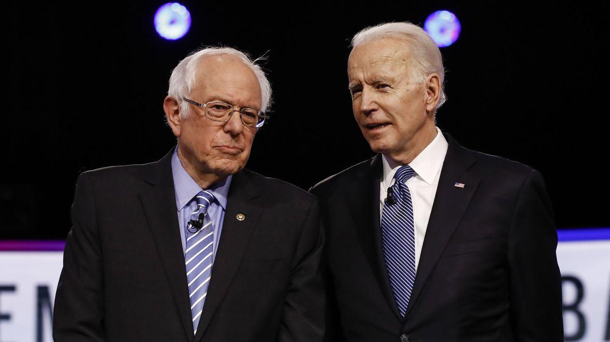 Bernie Sanders und Joe Biden bei einer Vorwahldebatte der US-Demokraten im Februar 2020.