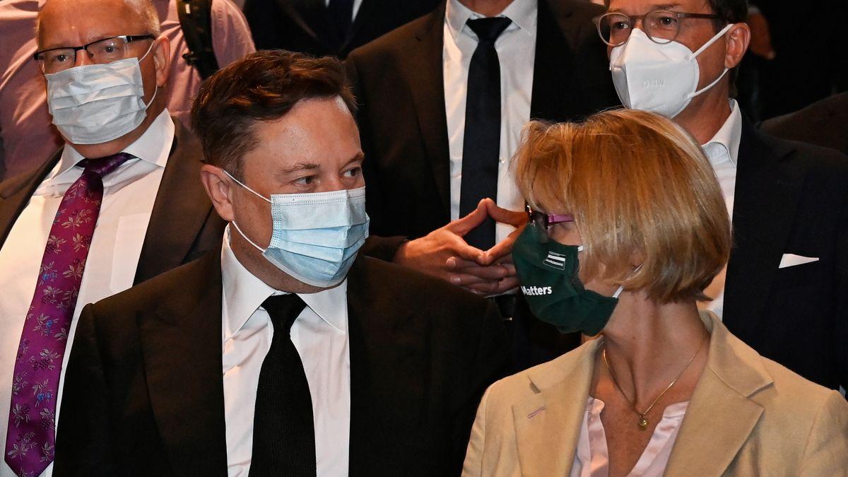 Elon Musk als Stargast auf der CDU-Klausurtagung neben u.a. Peter Altmaier und Anja Karliczek