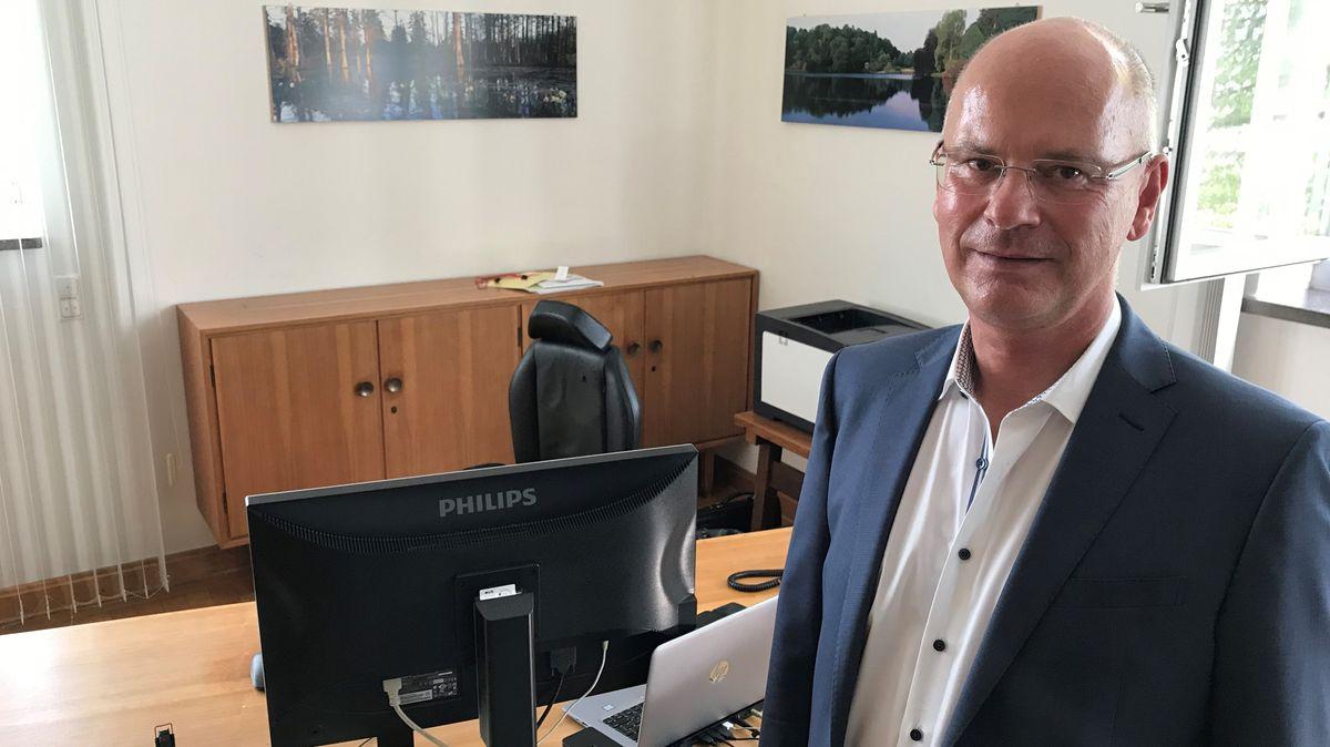 Landesamtsleiter Thomas Weberpals in seinem Büro.