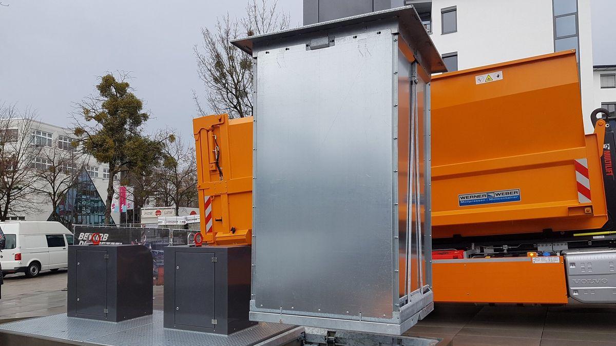 Die Behälter haben ein Fassungsvermögen von 5.000 Litern.