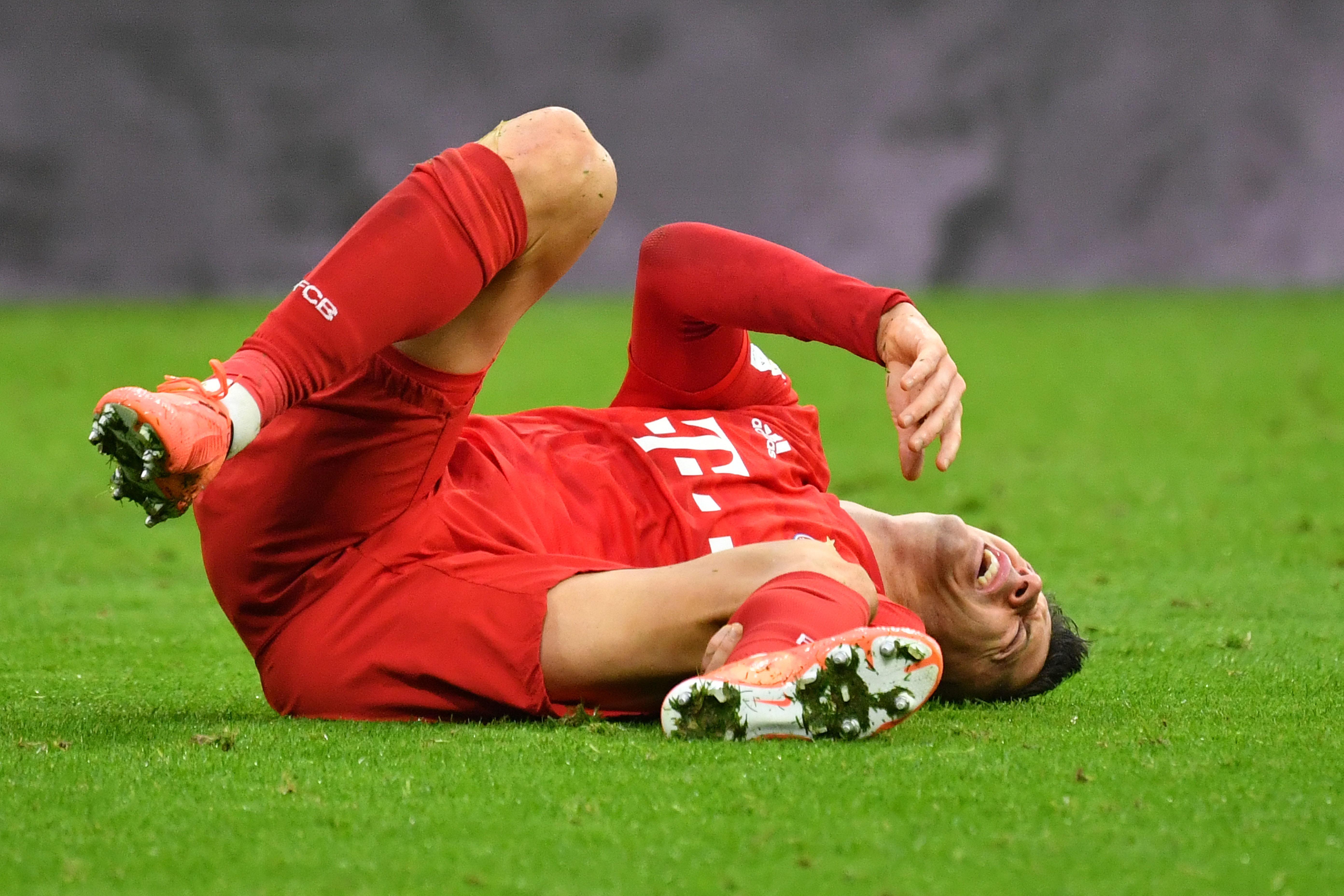 Schock für den FC Bayern! Robert Lewandowski fällt wochenlang aus