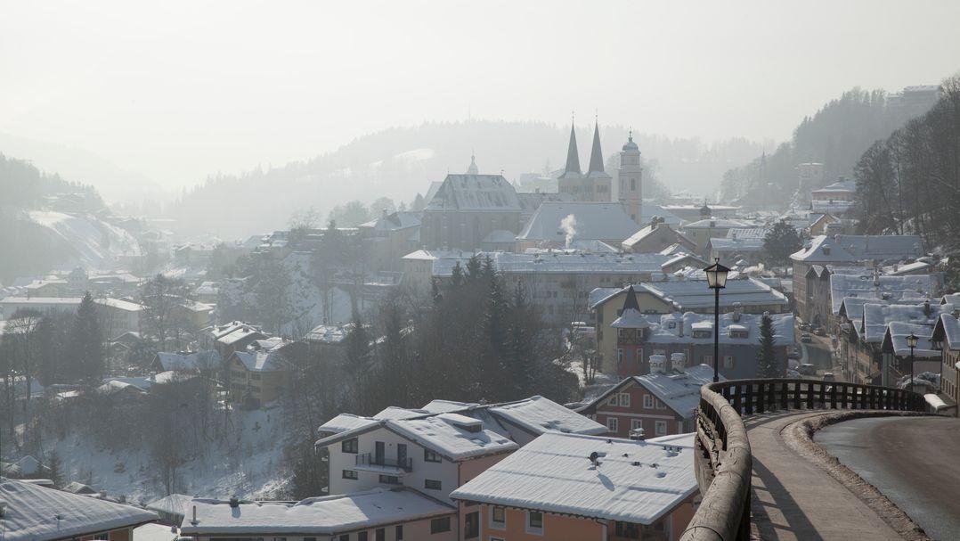 Blick auf das winterliche Berchtesgaden.