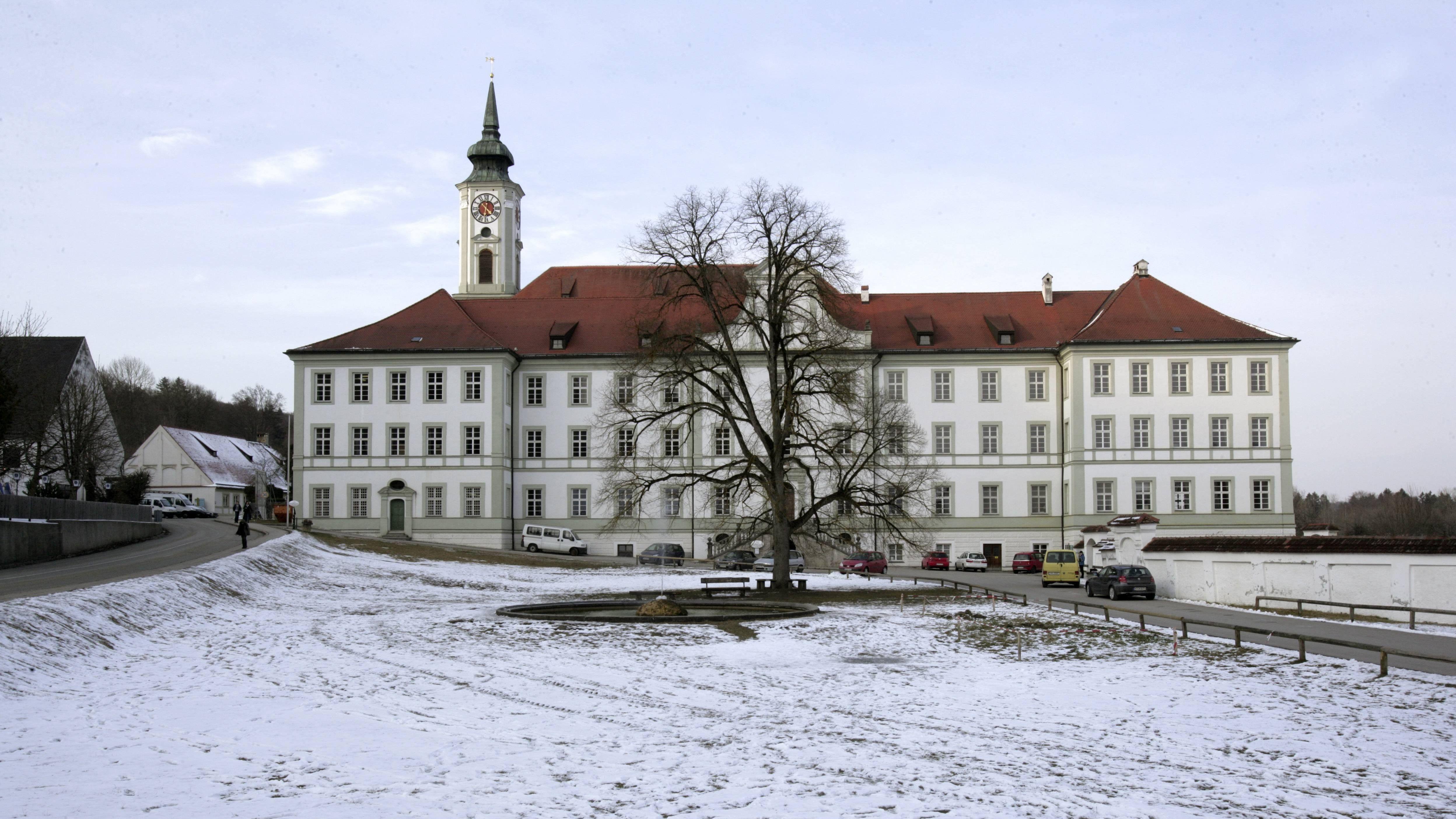 Kloster Schäftlarn und Benediktiner Gymnasium.