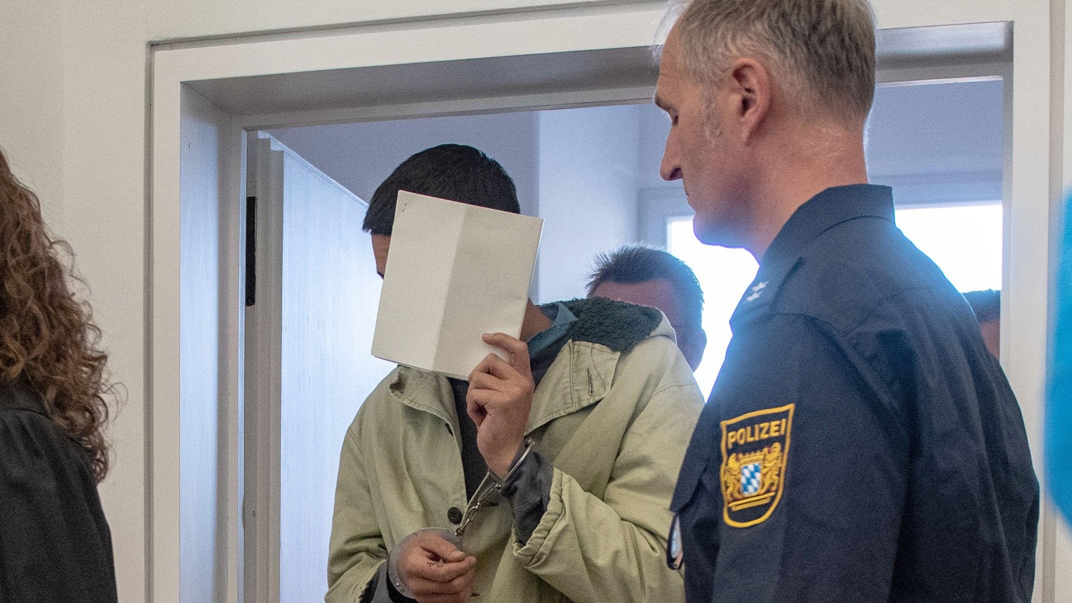 15 Menschen wurden bei den Amberger Prügelattacke verletzt. Heute wird der Prozess gegen die vier mutmaßlichen Täter fortgesetzt.