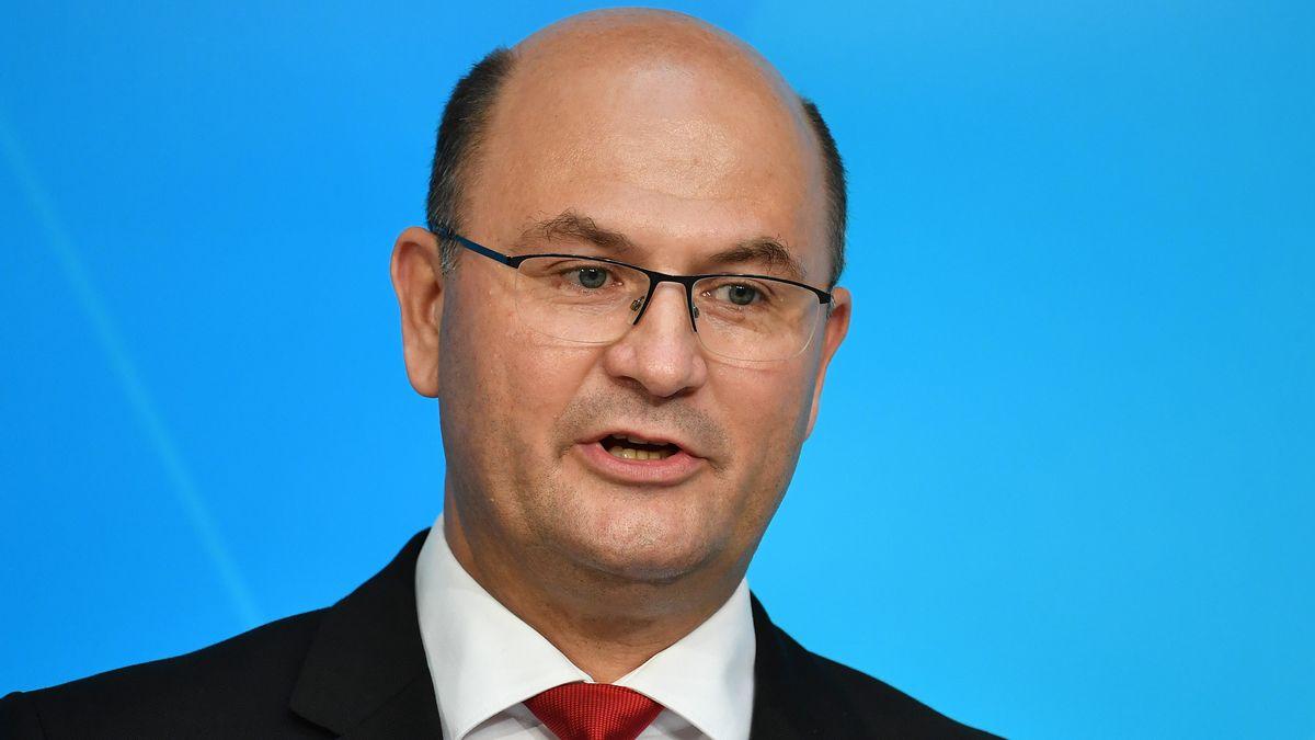 Der bayerische Finanzminister Albert Füracker (CSU) will neue Kredite aufnehmen