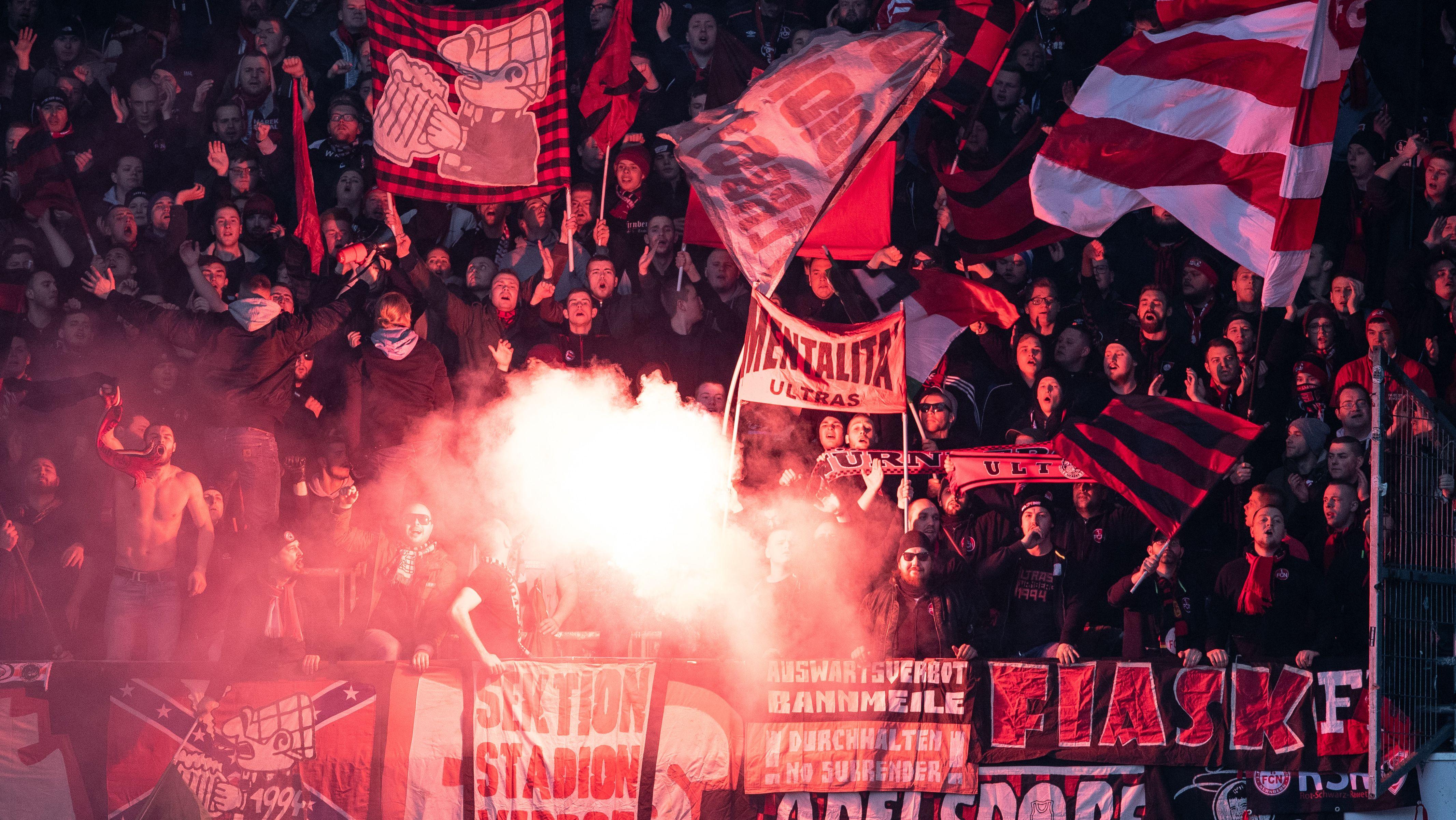 Pyro-Zwischenfall beim Spiel Hannover 96 - 1. FC Nürnberg