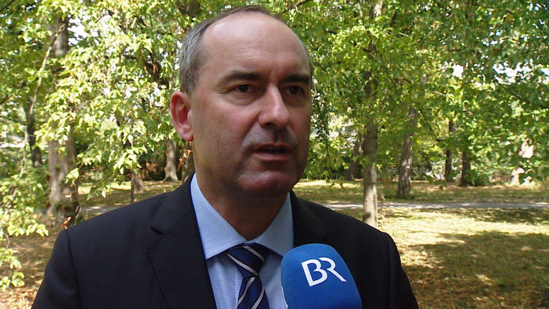 Freie-Wähler-Chef Hubert Aiwanger spricht im BR-Interview über Umweltpolitik.