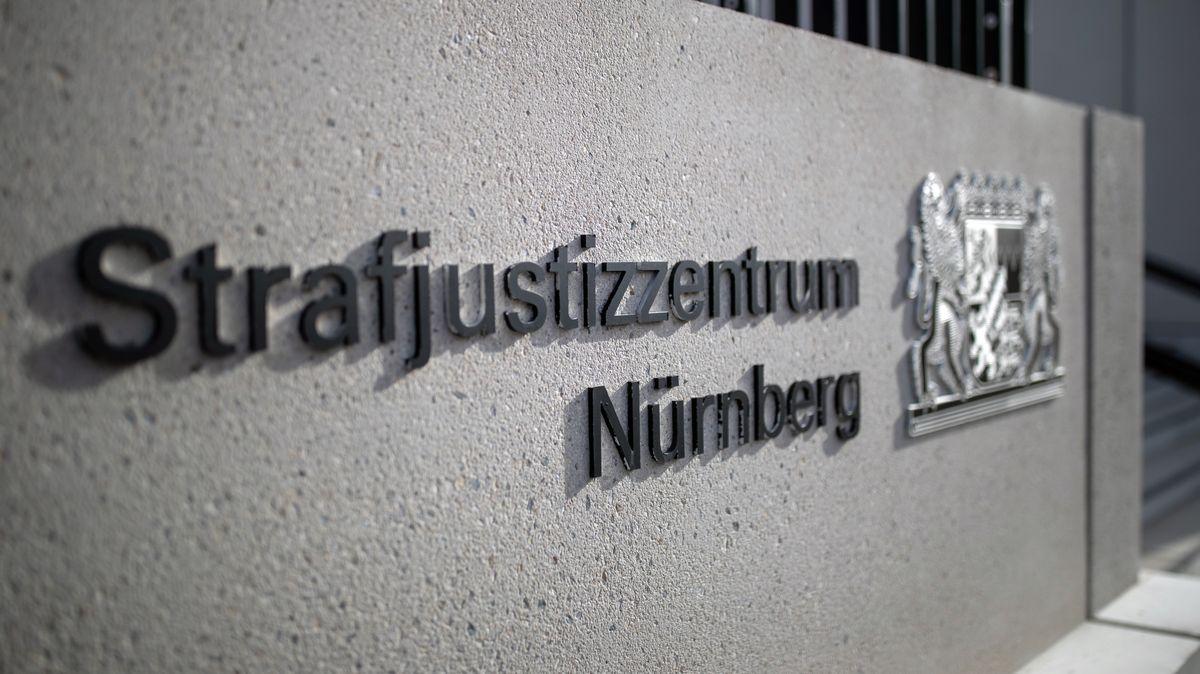 Der Eingangsbereich zum Strafjustizzentrum Nürnberg