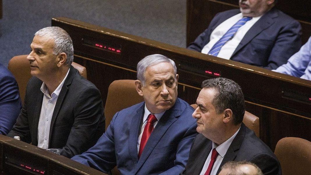 Benjamin Netanjahu (M), Ministerpräsident von Israel, nimmt an einer Knesset-Sitzung teil.