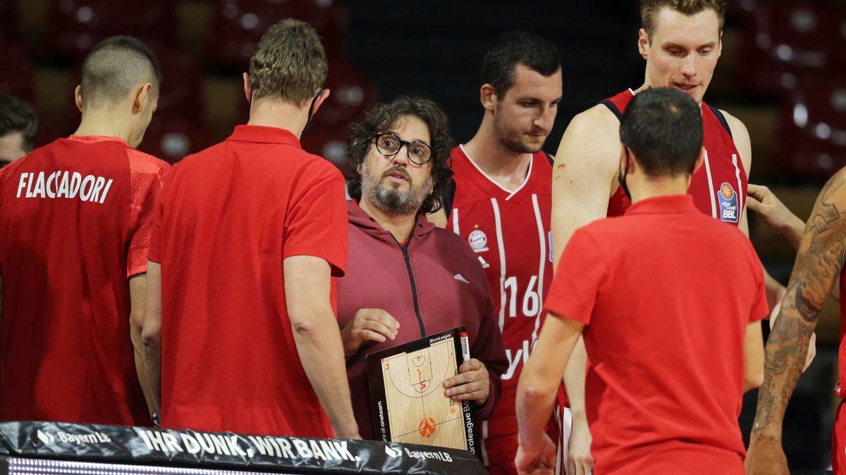 Andrea Trinchieri und sein Team