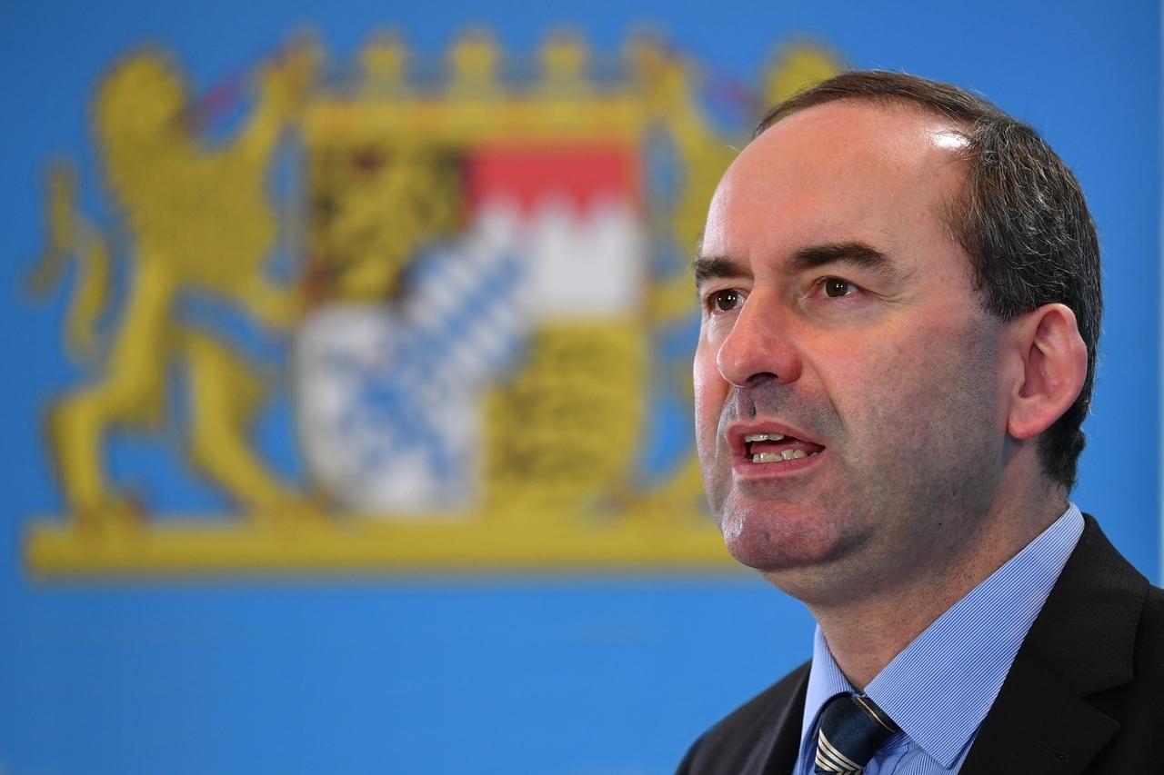 Hubert Aiwanger auf der Pressekonferenz der Bayerischen Staatsregierung in der Staatskanzlei in München.